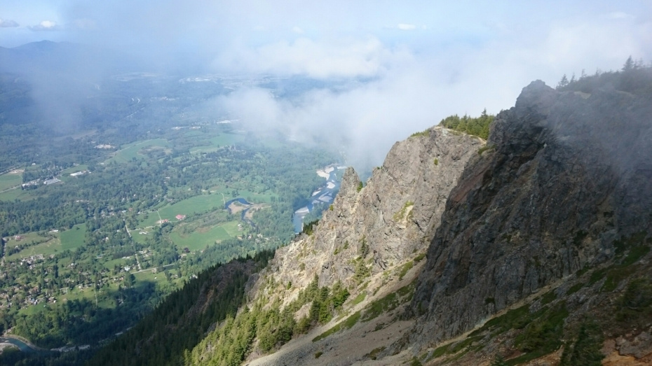 the hike up at mount si 10 places you should hike that aren't mount si up-close: the trail follows a moraine up to the toe of 10 places you should hike that aren't mount si.